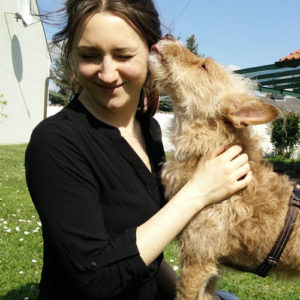 Hundetrainerin Lara-Maria Nestyak mit ihrem Sokrates